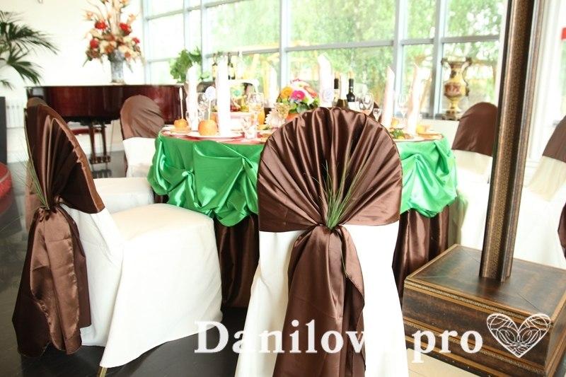 оформление стульев на свадьбу алиса в стране чудес