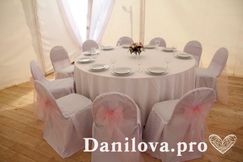 оформление стульев на свадьбу бледно-розовый