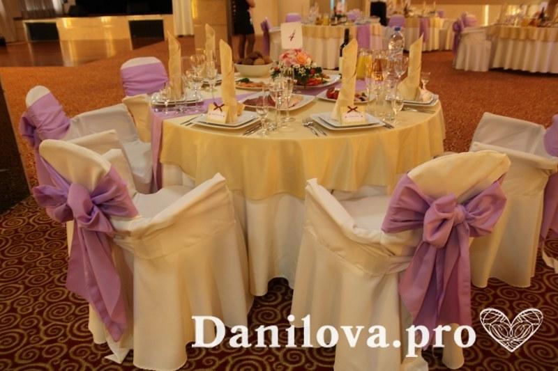 оформление стульев на свадьбу нежно-сиреневый