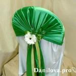 зеленые шапочки на стулья